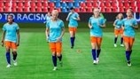 Netherlands warm up
