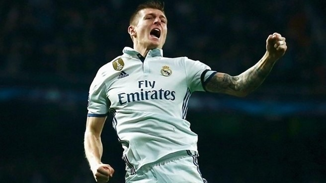 Madrid flex goalscoring muscles to halt Napoli