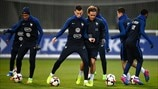 France players train