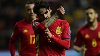 Italy and Spain plough on as Serbia make their move