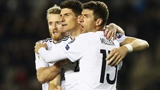 Germany win, Defoe and Lewandowski pounce