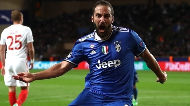 Higuaín double puts Juventus in control at Monaco