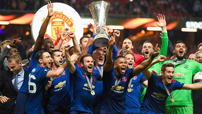 2016/17: United win it for Manchester
