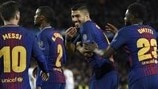 Barcelona pull away from luckless Roma