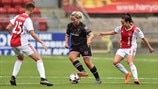 Katrina Parrock (Wexford Youths) & Kay-Lee de Sanders & Marthe Munsterman (Ajax)