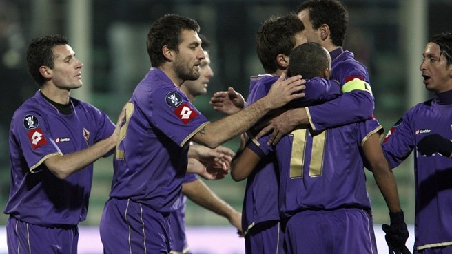 Vieri fires Fiorentina through