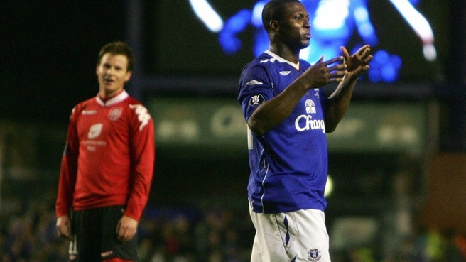 Prolific Everton set up Fiorentina tie