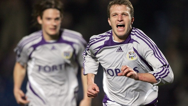 Bordeaux see red as Anderlecht progress