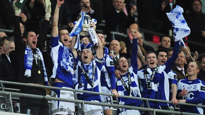 Birmingham stun Arsenal to lift League Cup