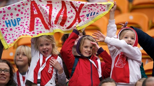Kids inspire Alkmaar to Ajax success