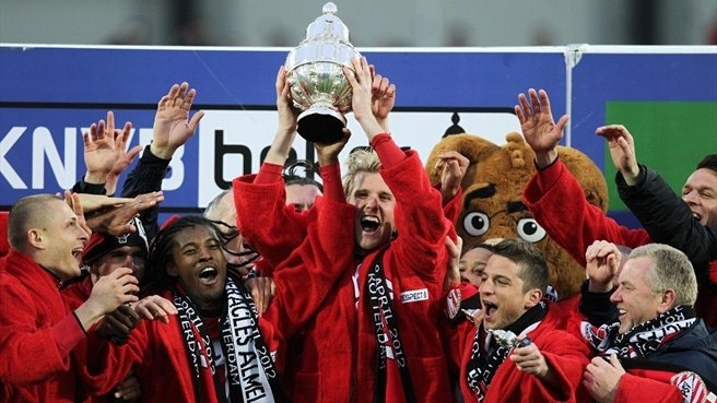 Cocu's PSV seal Dutch Cup success