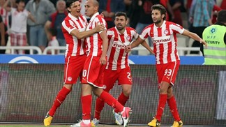 Final win completes double for Olympiacos