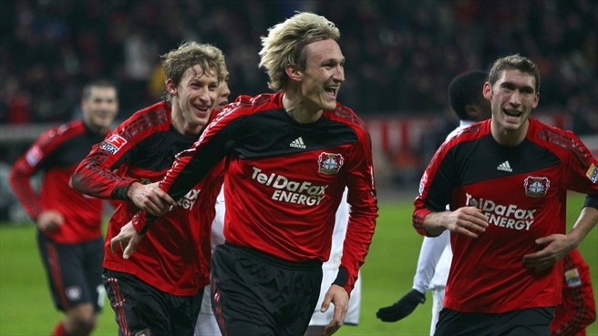 Hyypiä lengthens Leverkusen stay