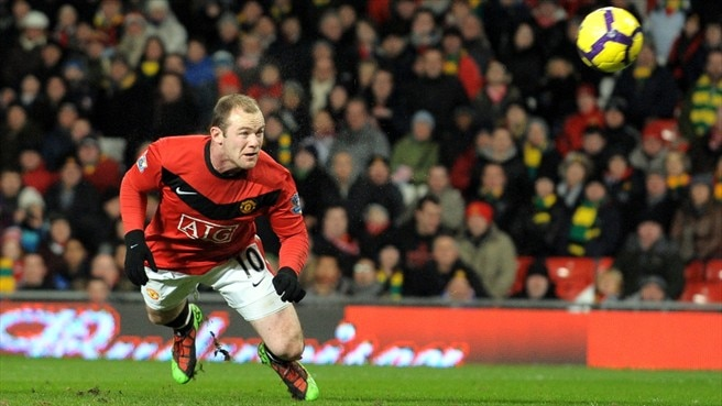 Rooney heads United charge