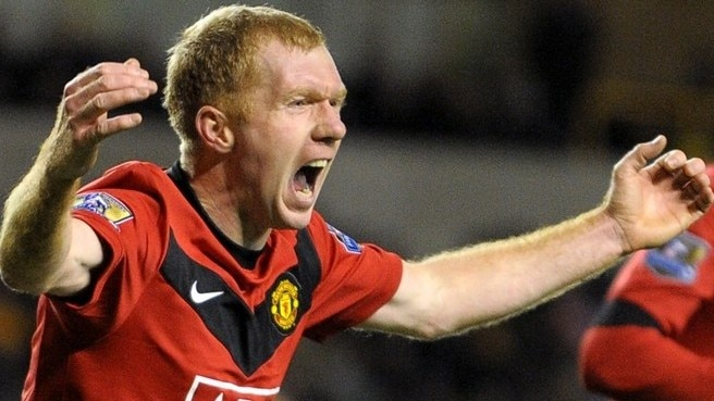 Timely Scholes sends United top