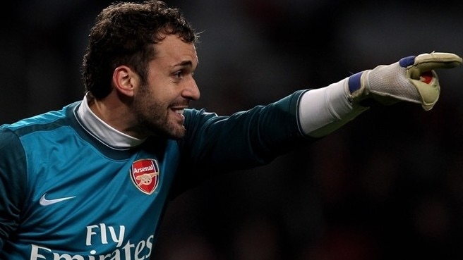 Almunia to lead from the back