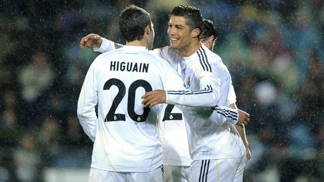 Higuaín again and again for Madrid