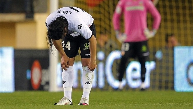 Banega and Vicente out for Valencia