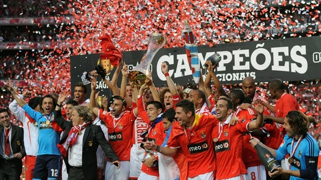 Cardozo seals title for Benfica
