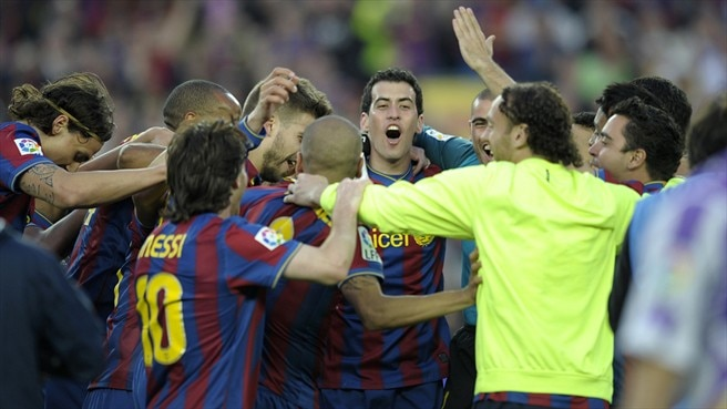 Barcelona breeze to consecutive titles