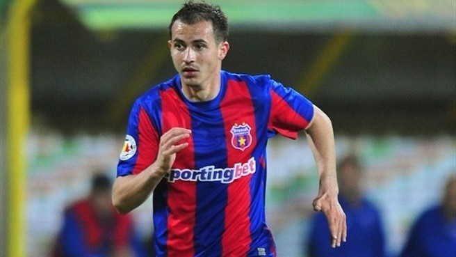 Steaua's free-scoring Stancu aims at Liverpool