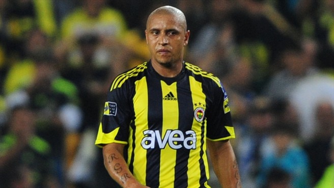 Roberto Carlos joins Anzhi of Russia