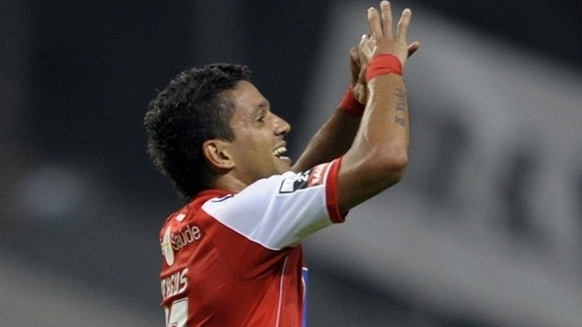 Braga open with home victory