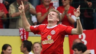 Mainz maintain perfect start
