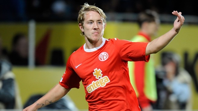 Mainz maintain winning start