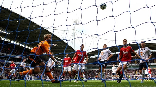 Owen salvages point for United at Bolton