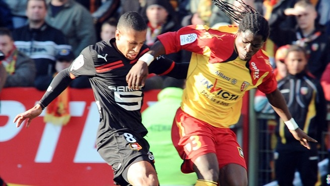Leaders Rennes held at Lens
