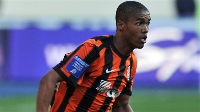 Shakhtar reap rewards of Douglas Costa coup