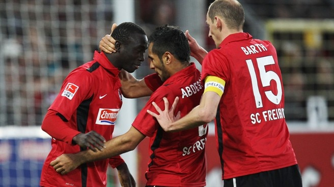 Mainz's pain is Eintracht's gain, Bayern lose ground