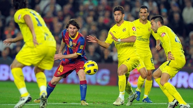Two-goal Messi helps Barcelona past Villarreal