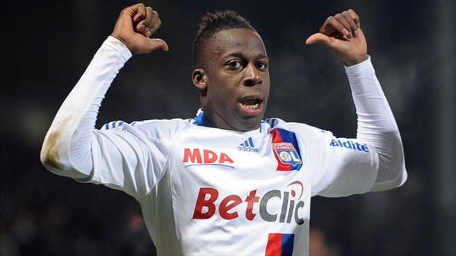 Valencia swoop for Lyon's Cissokho