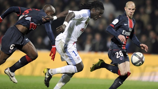 Gomis goal keeps PSG grounded