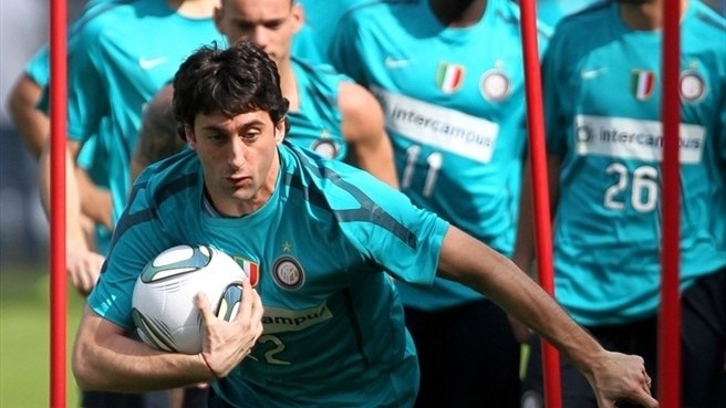 Milito misses Bayern visit with thigh strain