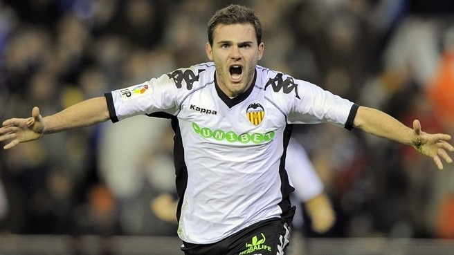 Ambitious Mata makes Valencia commitment