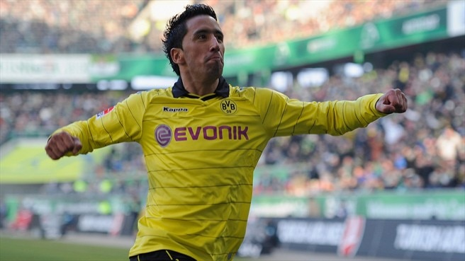 Commanding Dortmund strengthen their grip