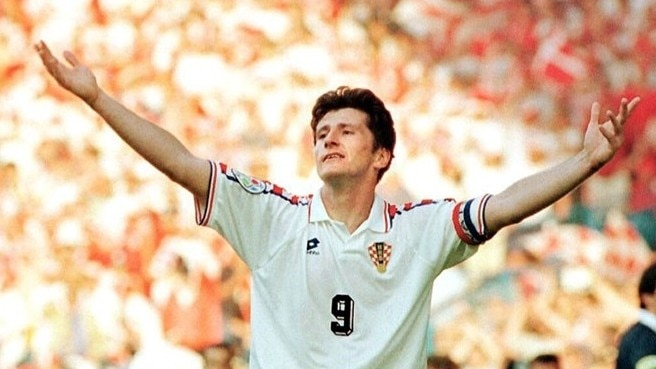 Šuker stars as Croatia down Denmark