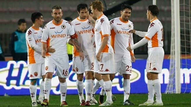 Pizarro penalty pushes Roma past Lecce
