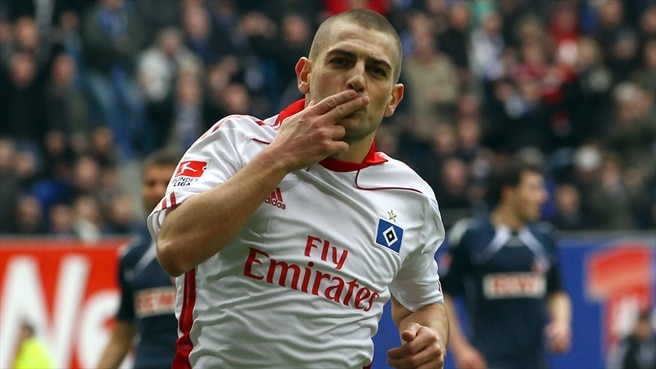 Petrić hits hat-trick as Hamburg crush Köln