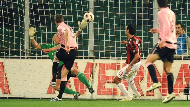 Milan suffer title setback at Palermo