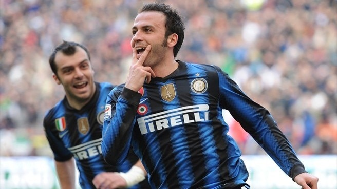 Pazzini pounces as Inter home in on Milan