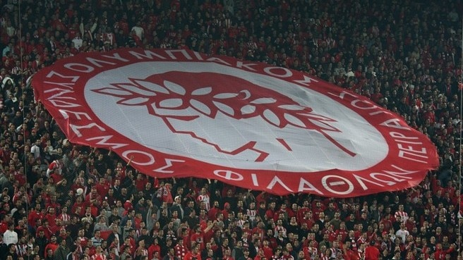 Olympiacos secure Greek title spoils