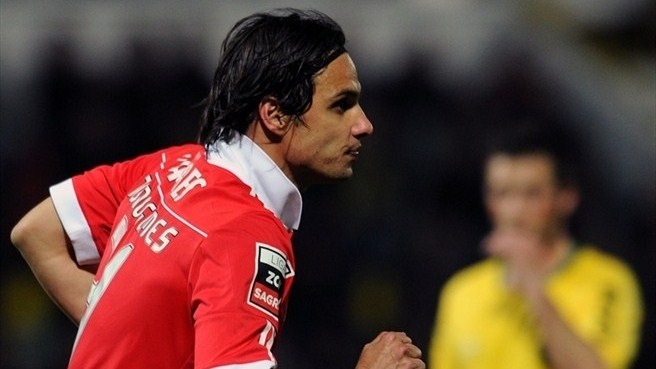 Benfica lose Nuno Gomes to injury