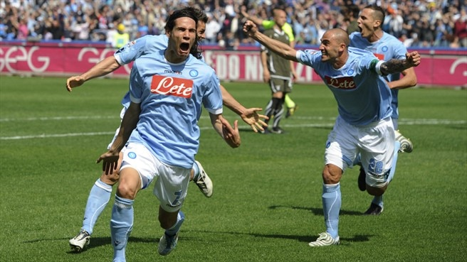 Cavani treble strengthens Napoli's title claims