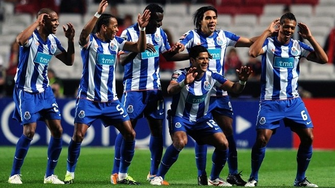 Porto win at Benfica to take Portuguese title