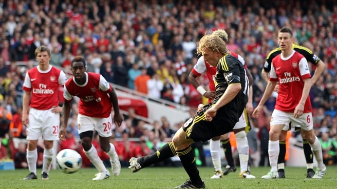 Arsenal denied by last-gasp Kuyt