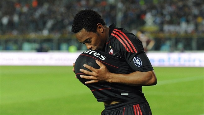 Robinho moves Milan closer to Scudetto